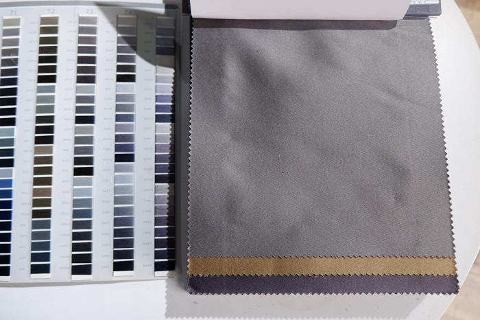 Màu sắc ghi xám nhã nhặn của rèm vải thô trơn RBYG 9-1