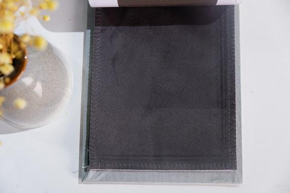 Rèm nhung được làm từ chất liệu vải cao cấp, mềm mượt