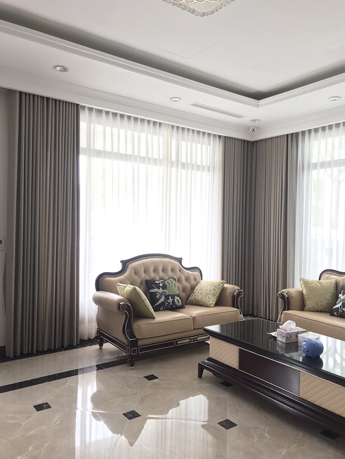 thiết kế kết hợp 2 lớp sang trọng với một lớp vải thô chống nắng, cách nhiệt và 1 lớp vải voan trơn