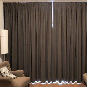 Rèm vải thô chống nắng tốt cho chung cư