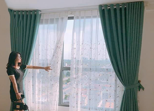 Mẫu rèm phòng khách Reu decor