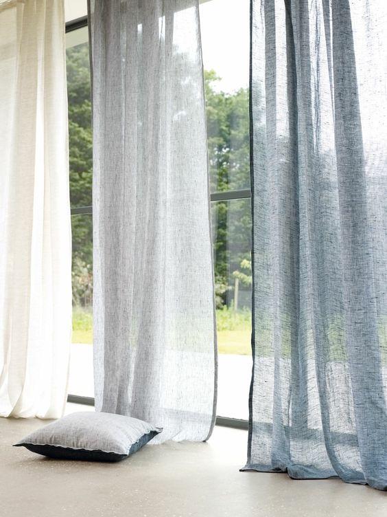 Rèm vải có khoảng thưa xuyên thấu nho nhỏ giúp lấy ánh sáng tốt