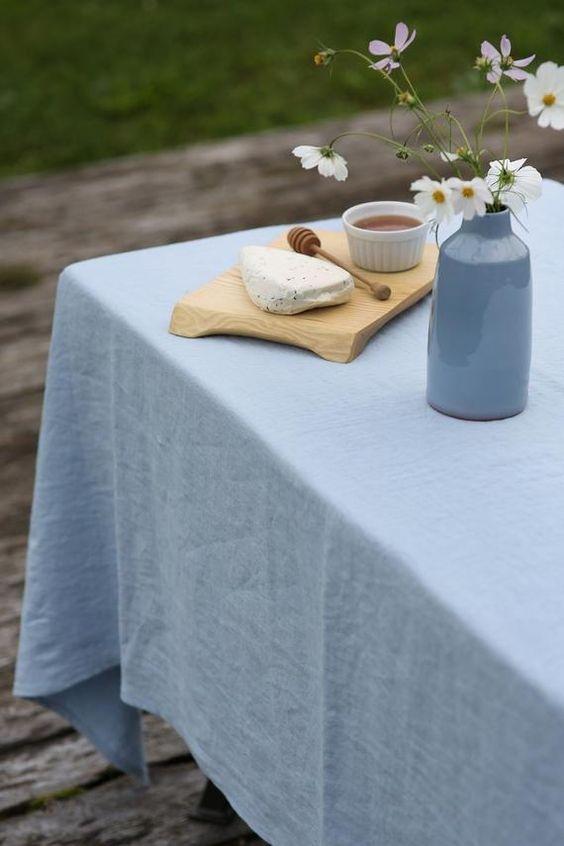 Rèm vải linen RCH-Dusty Aqua sỡ hữu màu xanh khói nhẹ nhàng, thanh lịch