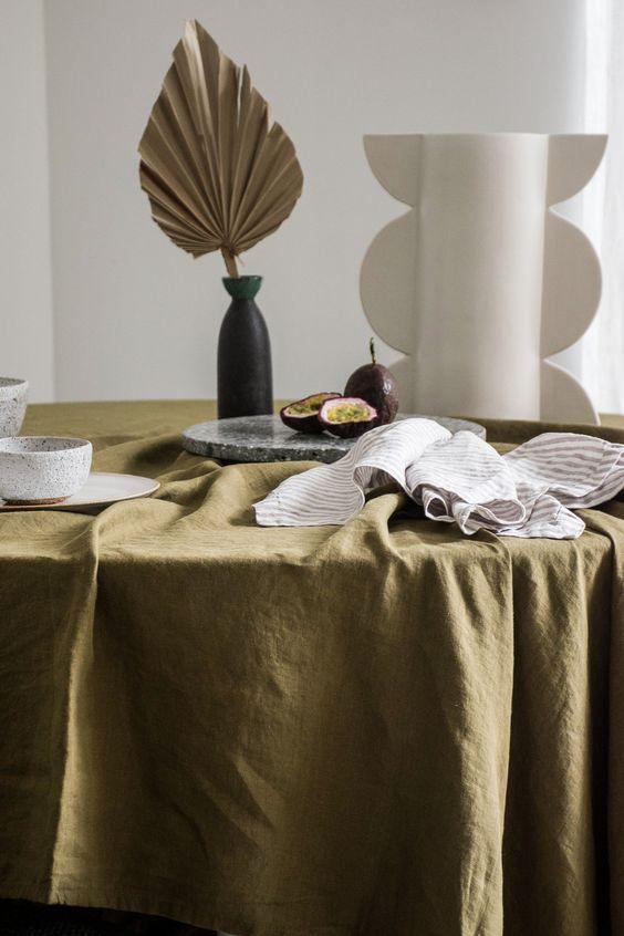 Mẫu khăn trải bàn vải bố
