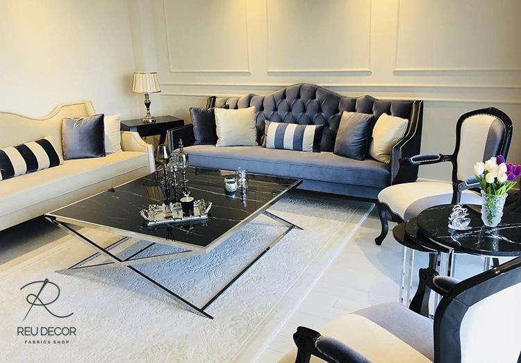 Biệt thự Yên Hoà mang phong cách thiết kế cổ điển Hy Lạp và La Mã do đó các đồ nội thất cũng lựa chọn theo phong cách này